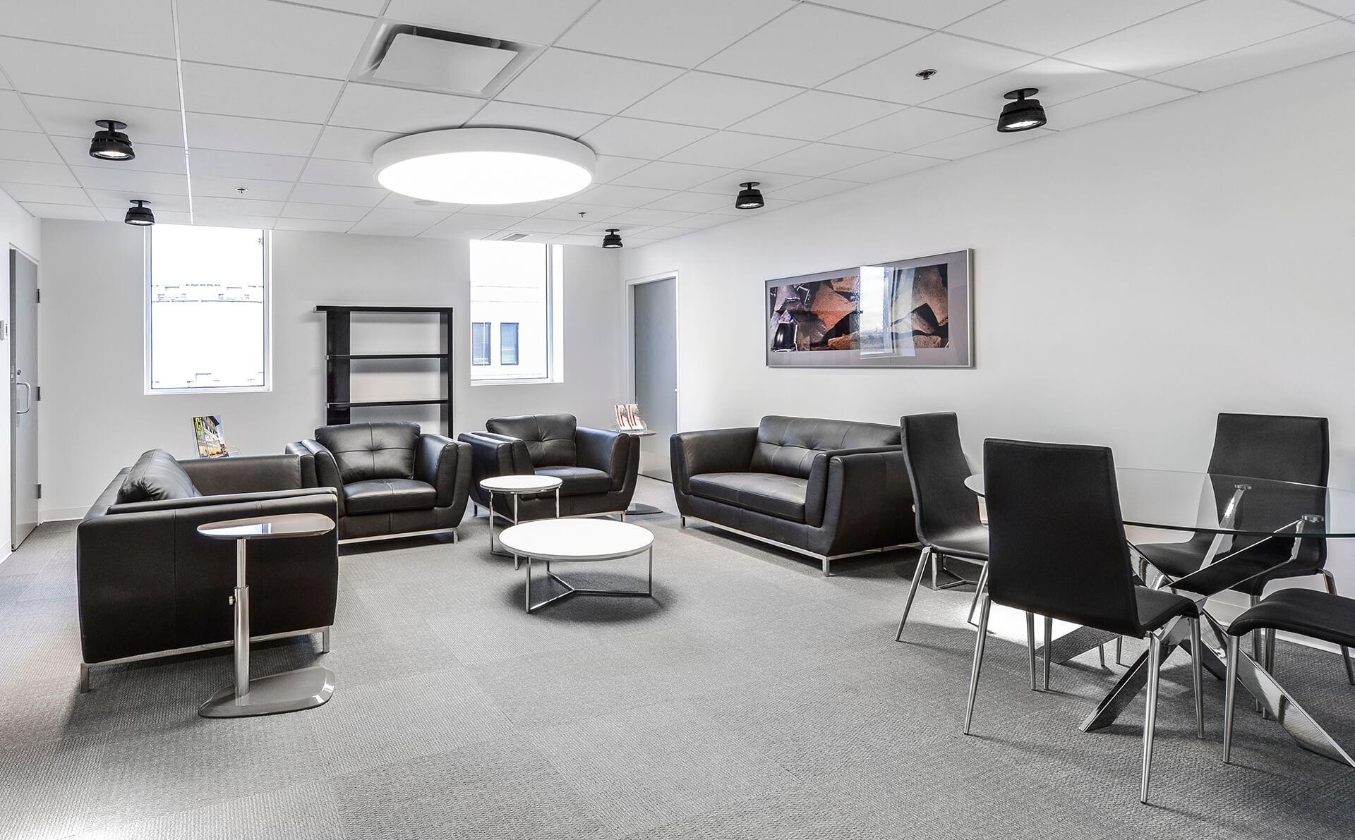 Salon des membres pointe calli re cit d 39 arch ologie for Salon workspace